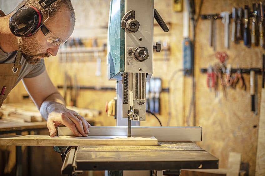 Using a 14-Inch Bandsaw