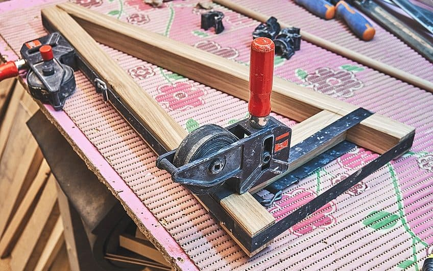 Best Glue for Metal to Wood