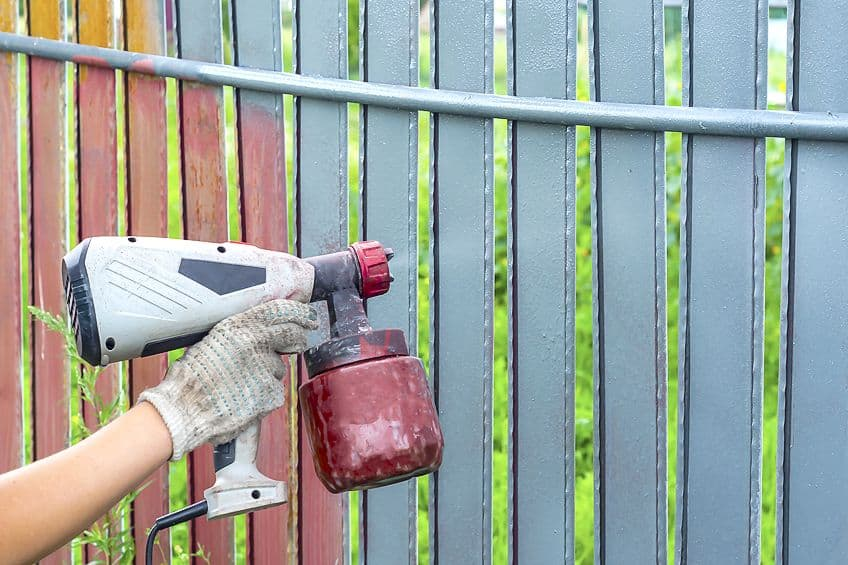 Staining a Fence With a Sprayer